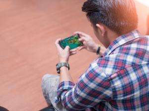 Game FPS di Handphone Yang Cool Banget!